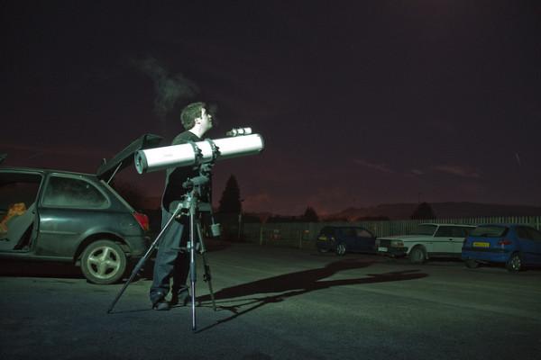 amatőrcsillagász éjszakai megfigyelés