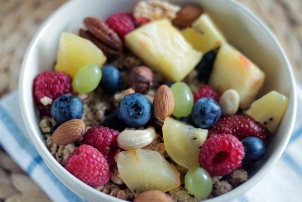 olajos magok, gyümölcsök reggelire