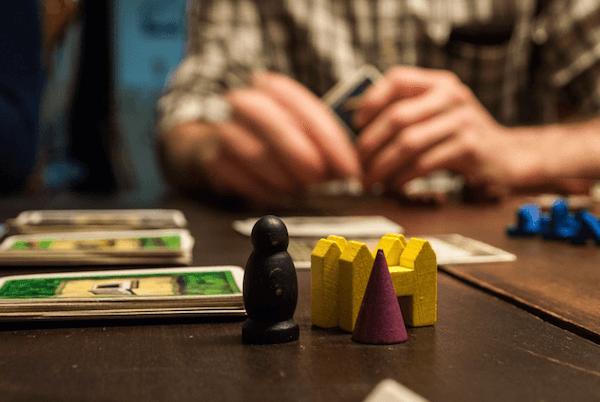 a társasjátékozás tartalmas családi időtöltés