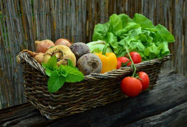 friss zöldségek ételfotózáshoz